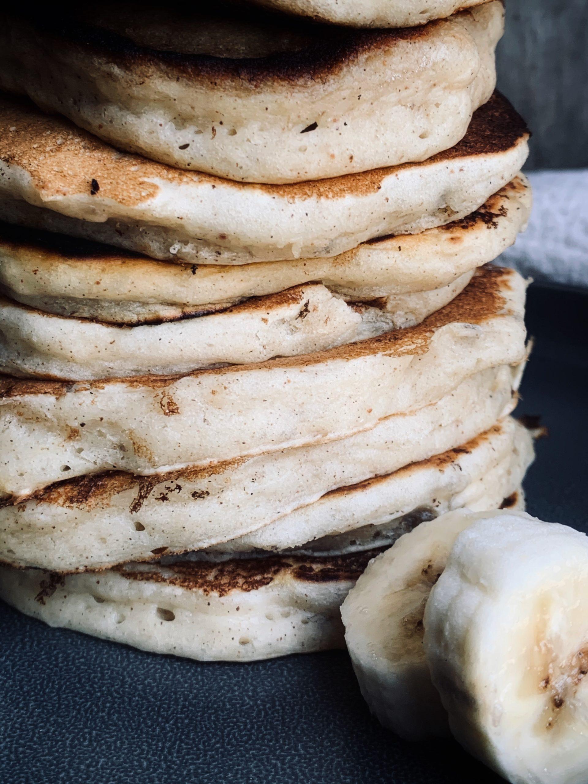 close up photo of banana pancakes