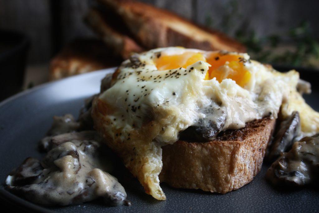 sourdough toast with mushroom gravy