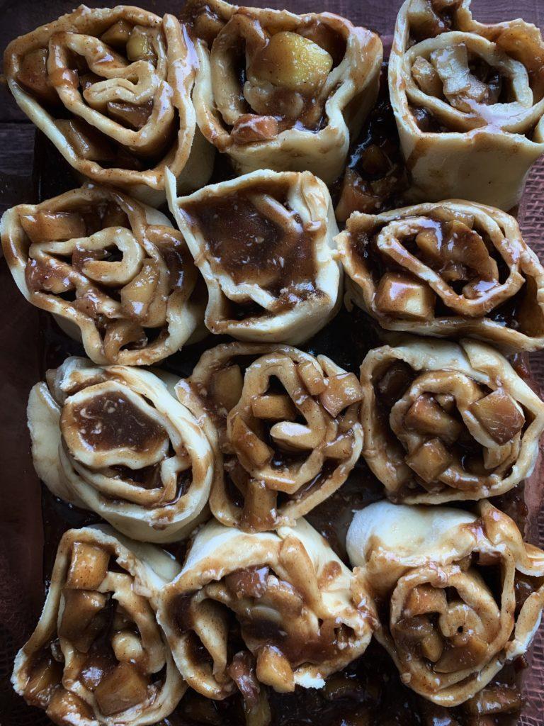 raw apple cinnamon rolls